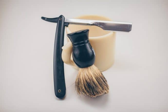 Men's Grooming Kit With Shaving Essentials